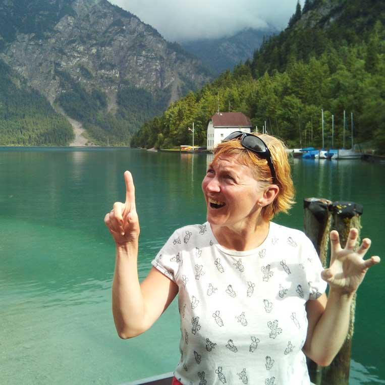 ilona tropa par mani ezers plansee austrijas alpos tyrol