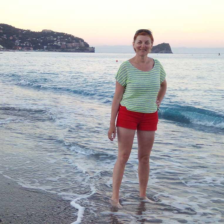 ilona tropa par mani pilsēta spotorno itālijā vidusjūras krastā
